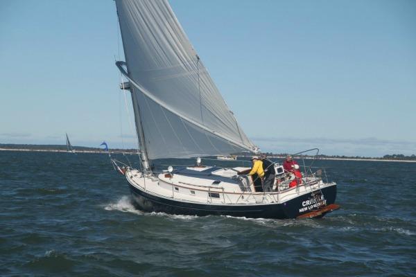 Nonsuch 30 Under Sail