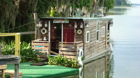 Houseboat in Dead River, Tavares, Florida